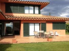 Casa en Torremirona Golf Navata (Girona)