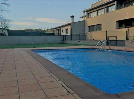 Piso en el pueblo de LLadó con piscina